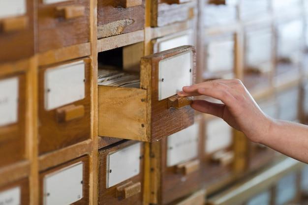 Scatole di indice delle carte in biblioteca
