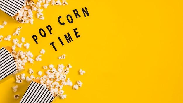 Scatole di popcorn per copia-spazio