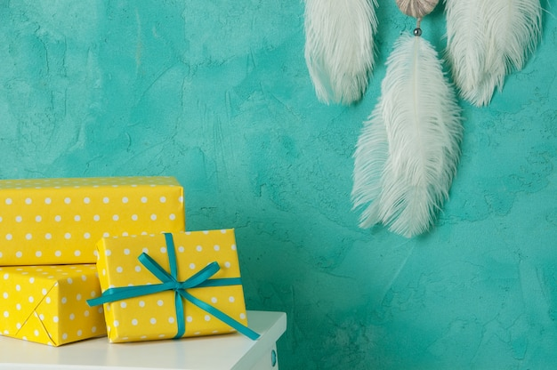 Scatole regalo gialle