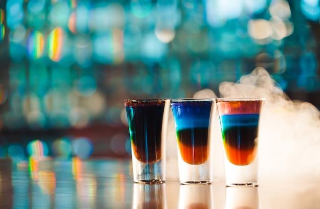 Scatti multicolori sulla barra