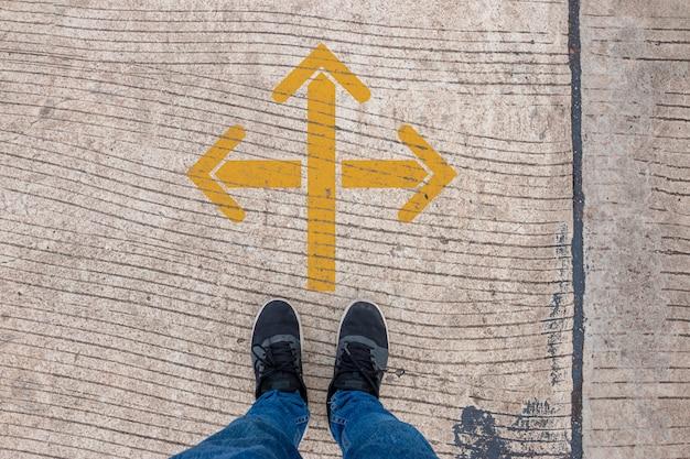 Scelta 3 direzioni per il processo decisionale, concetto di processo decisionale.