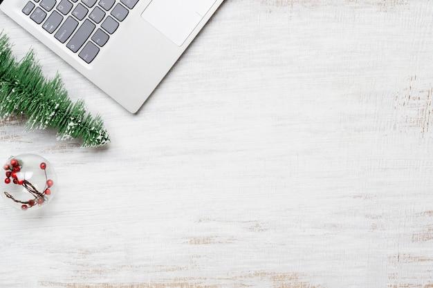 Scena del desktop dello spazio di lavoro dell'ufficio di stili di natale