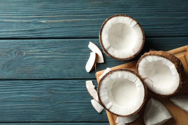 Scheda con cocco su legno, spazio per il testo