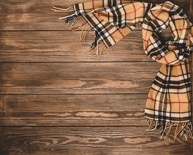 Sciarpa in lana con motivo su legno marrone