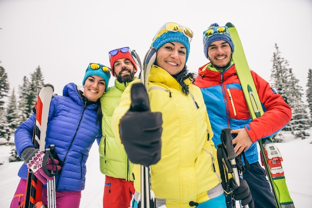 Sciatori in vacanza invernale