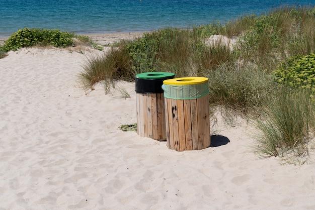 Scomparto di selezione selettiva sulla spiaggia sull'isola della vandea di noirmoutier vandea francia