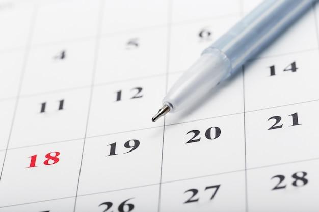 Scopri le date in un concetto di calendario aziendale