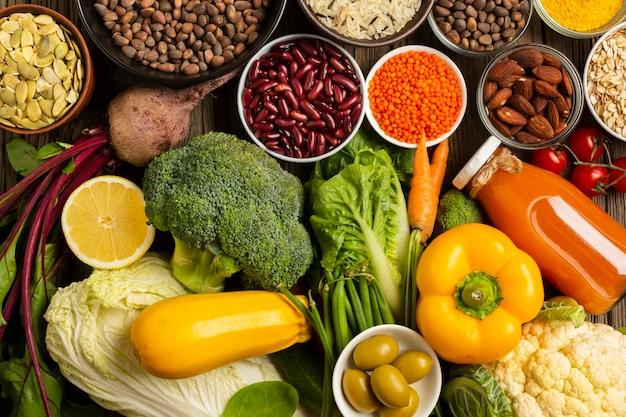 Scorri la disposizione dell'assortimento di generi alimentari