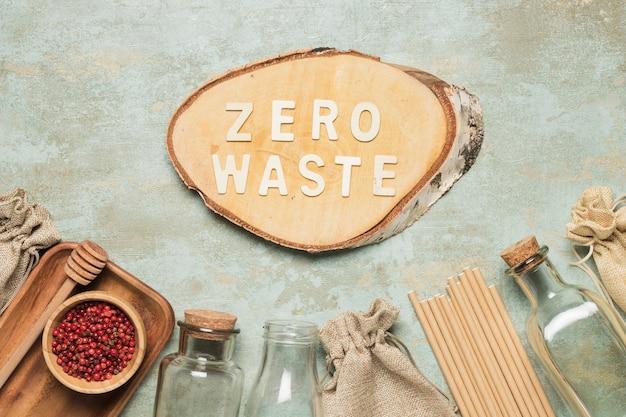 Scritte zero rifiuti su tavola di legno