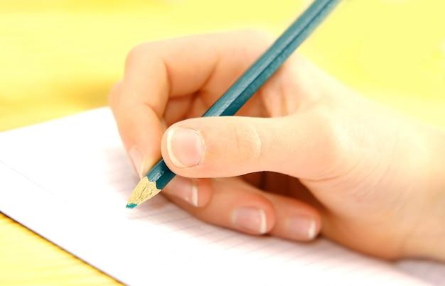 Scrittura a mano in un documento
