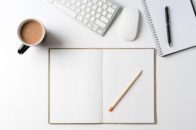 Scrivania da vista dall'alto con copyspace