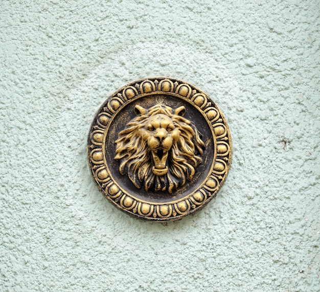 Scultura di leone