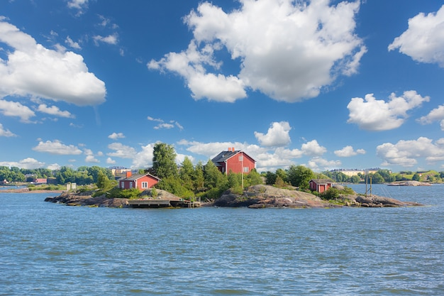 Seascape e little islands vicino a helsinki
