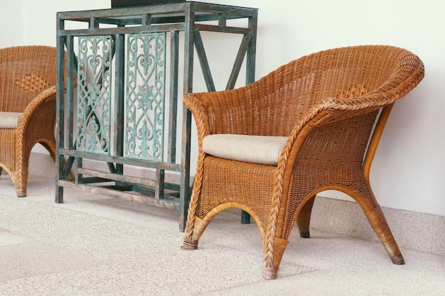 Sedia in vimini marrone rattan