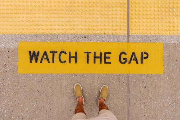 Segnale di avvertimento di gap vista dall'alto