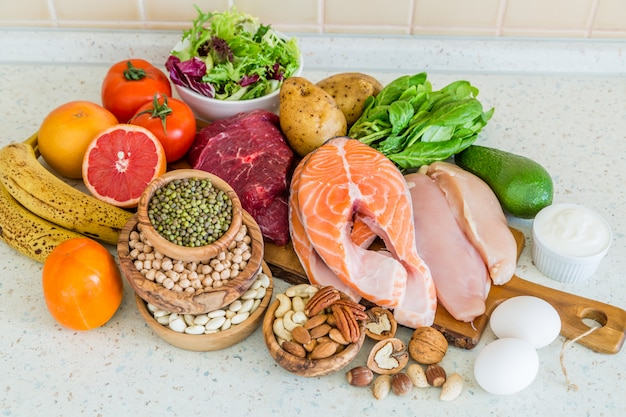 Selezione di cibo per la perdita di peso, cucina