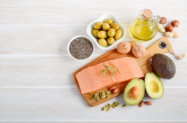 Selezione di grassi sani insaturi, omega 3
