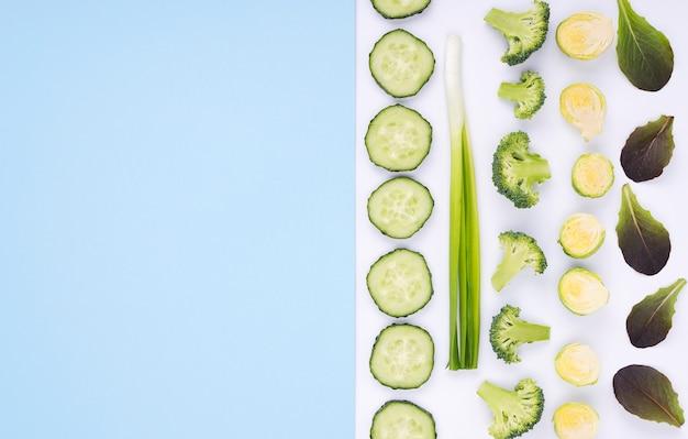 Selezione vista dall'alto di verdure fresche con spazio di copia