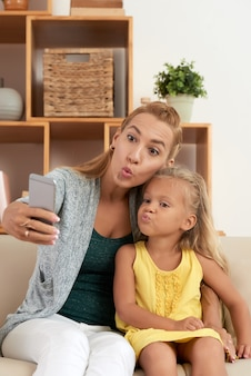 Selfie faccia d'anatra