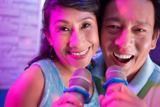 Senior coppia vietnamita