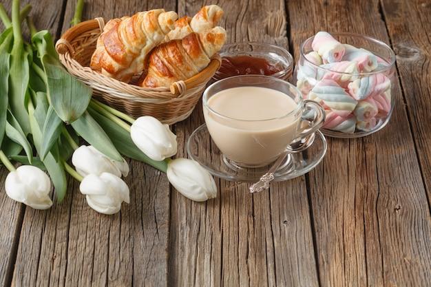 Serata con caffè e dolci