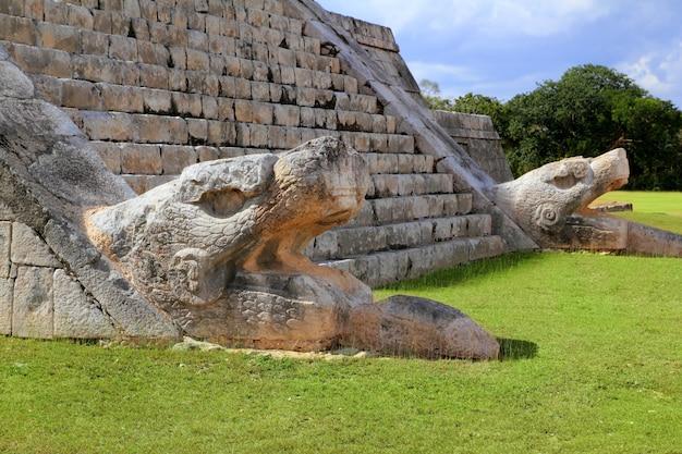 Serpente di kukulcan el castillo mayan chichen itza