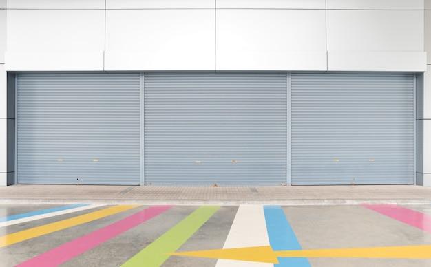 Serranda di grande apertura del magazzino del garage