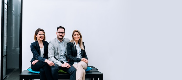Servizio fotografico del team aziendale. spazio negativo