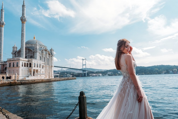 Sessione di nozze della sposa a istanbul