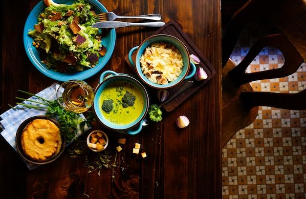 Set da pranzo rustico