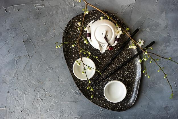 Set da tè in stile asiatico
