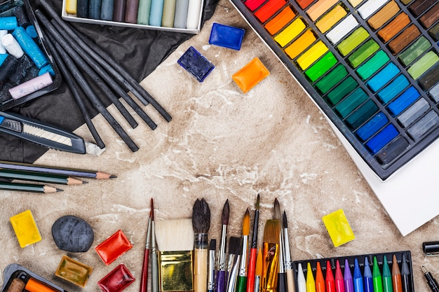 Set di accessori per l'artista