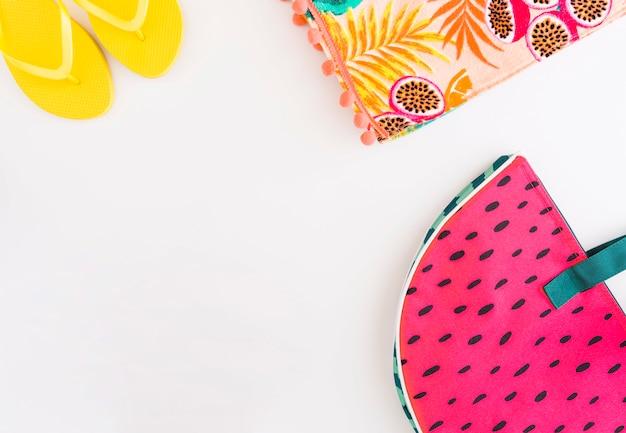 Set di accessori per vacanze estive in spiaggia