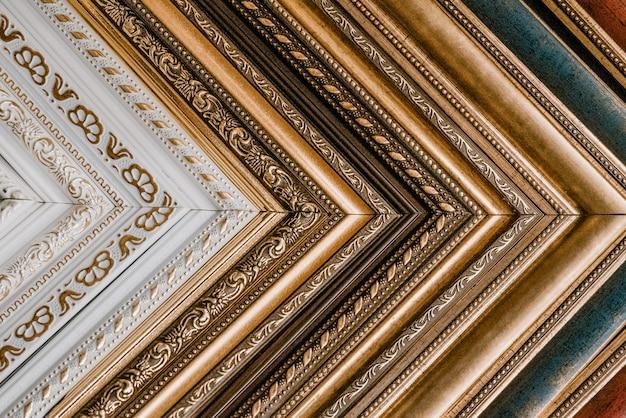 Set di cornici antiche