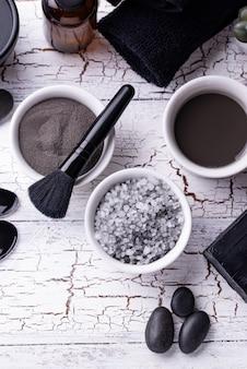 Set di cosmetici disintossicazione carbone nero