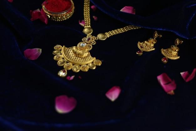Set di mangalsutra oro delle donne indiane