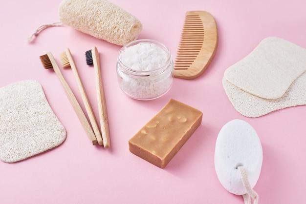 Set di oggetti per l'igiene personale eco-compatibili