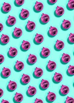 Set di palle di natale viola con sfumature