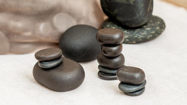 Set di pietre da massaggio.