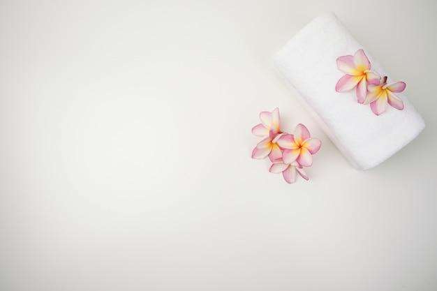 Set di sale spa. bellezza e moda spa set.towel e sale spa con candela