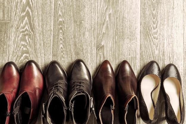Set di scarpe diverse