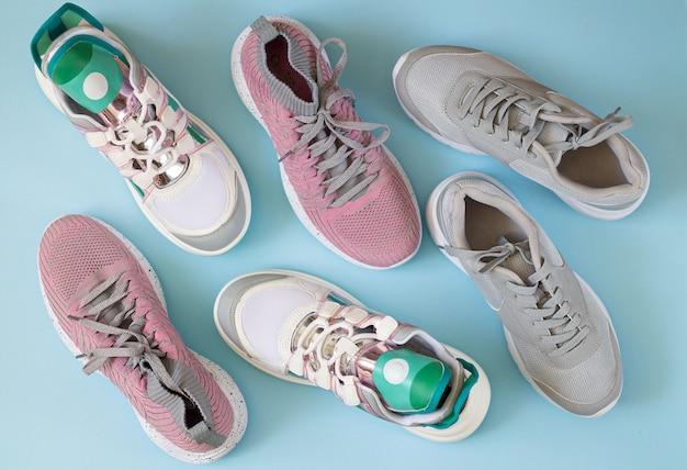 Set di scarpe sportive vista dall'alto