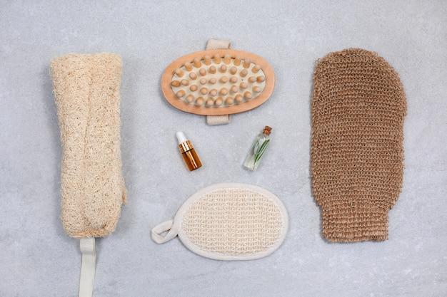 Set di spugne ecologiche per la cura del corpo e oli naturali