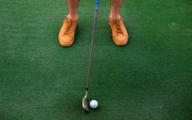 Sfera di golf notevole del giocatore dell'angolo alto