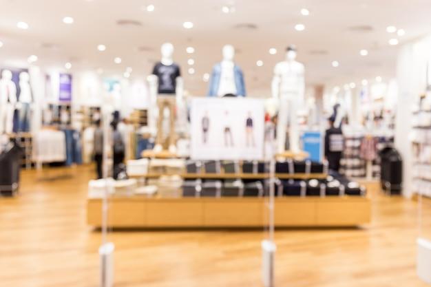Sfocatura negozio di tessuti nel centro commerciale