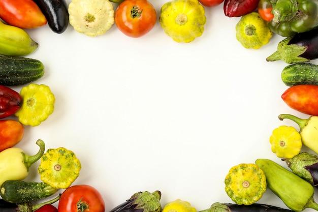 Sfondo cornice di verdure biologiche