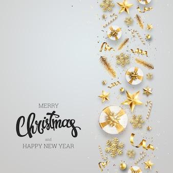 Sfondo creativo, bordo decorativo di natale fatto di elementi festivi su uno sfondo chiaro.