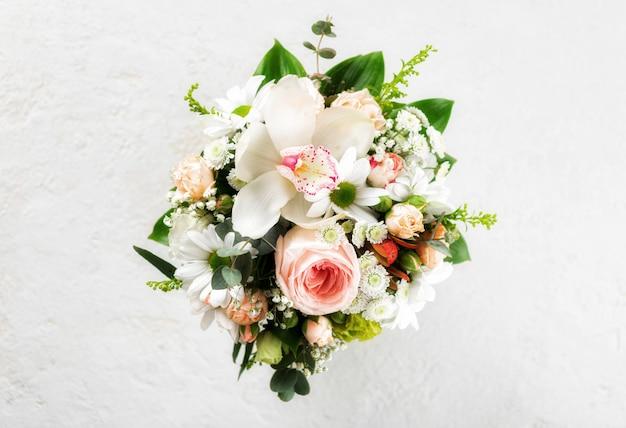 Sfondo di fiori. concetto floreale di san valentino di disposizione piana e superiore
