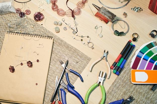 Sfondo di gioielli fatti a mano