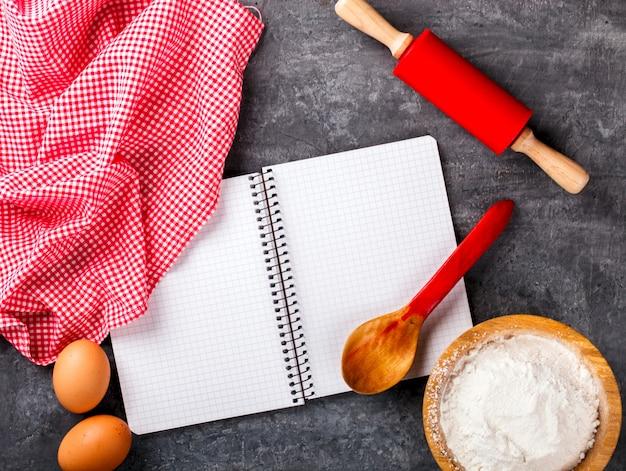 Sfondo di ingredienti di cottura. concetto di san valentino.